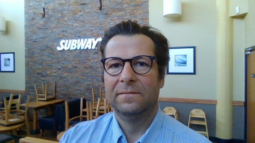 [CONFINEMENT] Charles, franchisé Subway® à Saint-Benoît (Vienne) : « Face à la crise, on fait le dos rond ! »